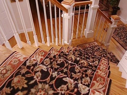 cầu thang đẹp với thảm vải