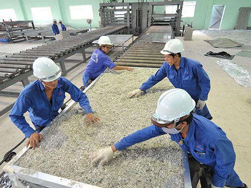 sản xuất tấm lợp sinh thái